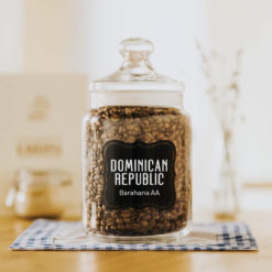 Zrnková čerstvě pražená káva arabica Dominikánská republika Barahoma AA
